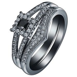 Jewelry - 18k Black Gold Plated CZ Ring Set Size 7